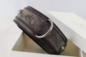 Handantiqued genuine leather brown dog collar A08