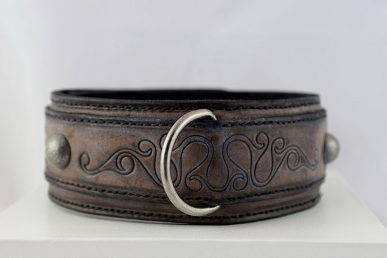 handmade uniquely embossed leather dog collar A08