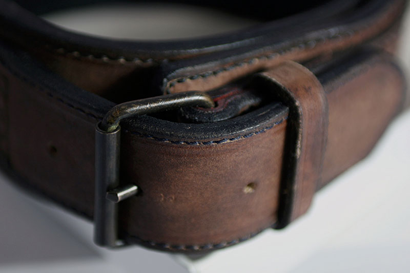 Buckle collar detail and side view