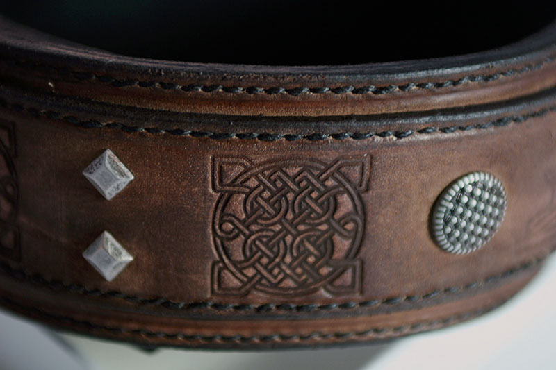 Handmade leather dog collar embossing detail