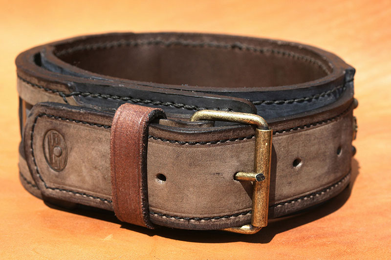 Unique handmade leather dog collar-buckle detail