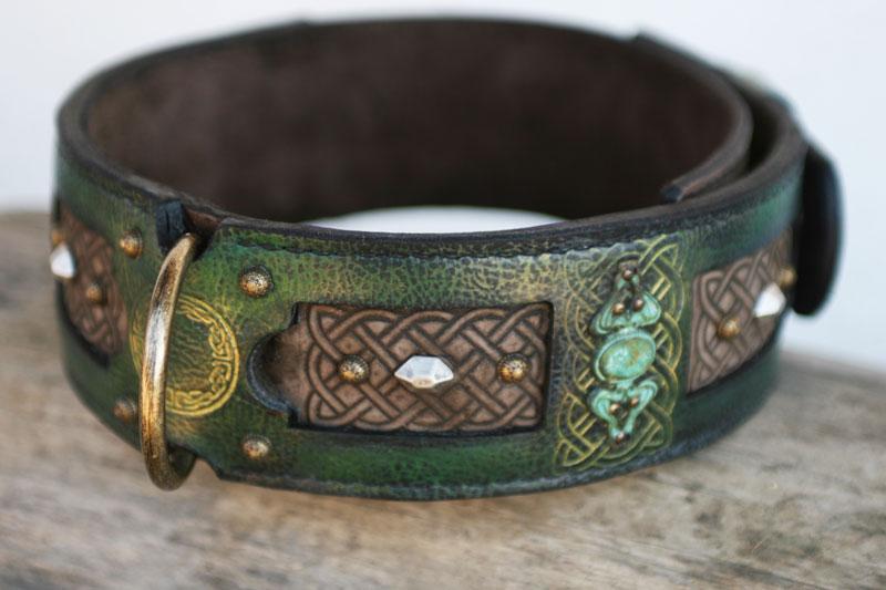 Emerald embosing detail
