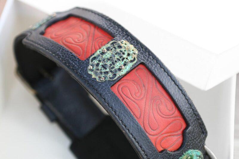 Workshop Sauri - Samartha dog collar brass ornaments