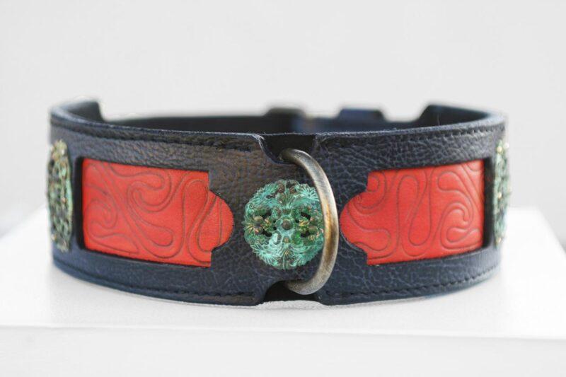 Samartha dog collar central ornaments