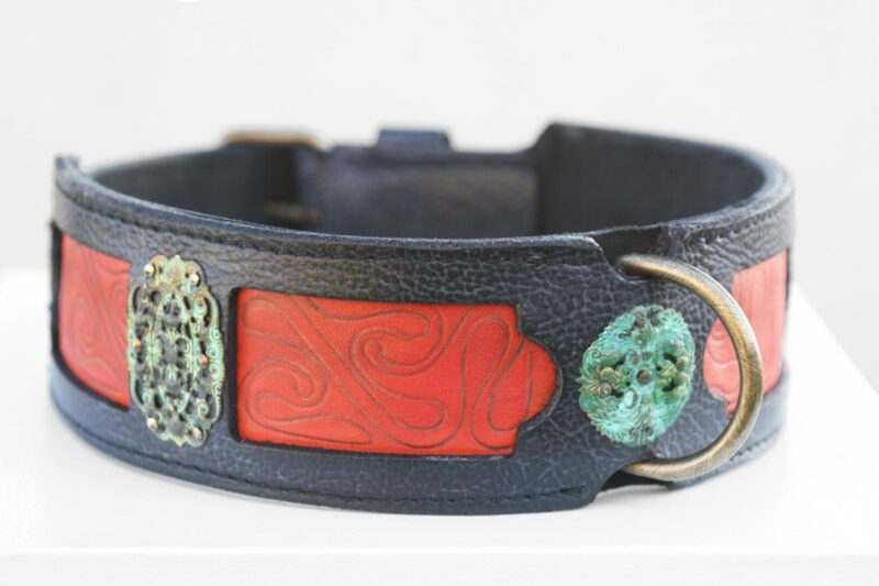 Samartha dog collar leather embossing