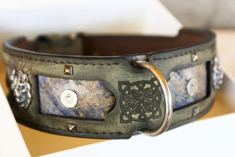 Margey - embossed leather dog collar hand crafted by Workshop Sauri
