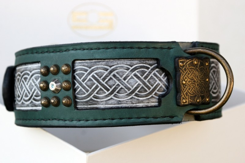Sharada leather embossing and rivets by Sauri dog collars