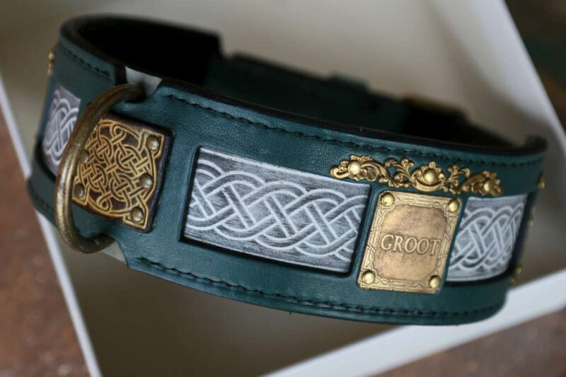 Vegetable tanned leather dog collar by Workshop Sauri