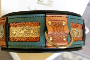 Beautifully embossed leather dog collar handmade by Workshop Sauri