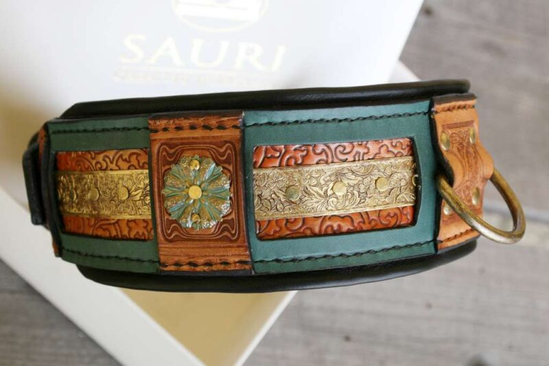 Dog collar with brass ornaments by Workshop Sauri