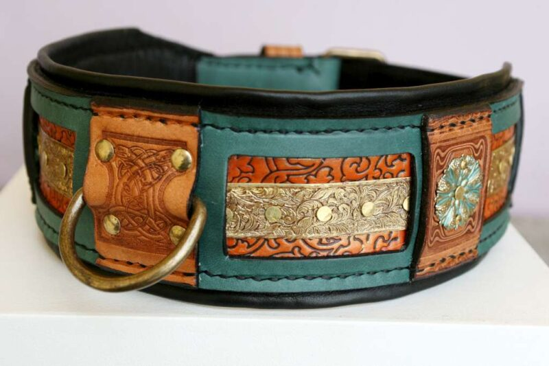 Green vegetable tanned leather dog collar handmade by Workshop Sauri