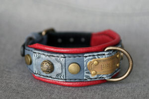 Small red and grey leather dog collar by Workshop Sauri
