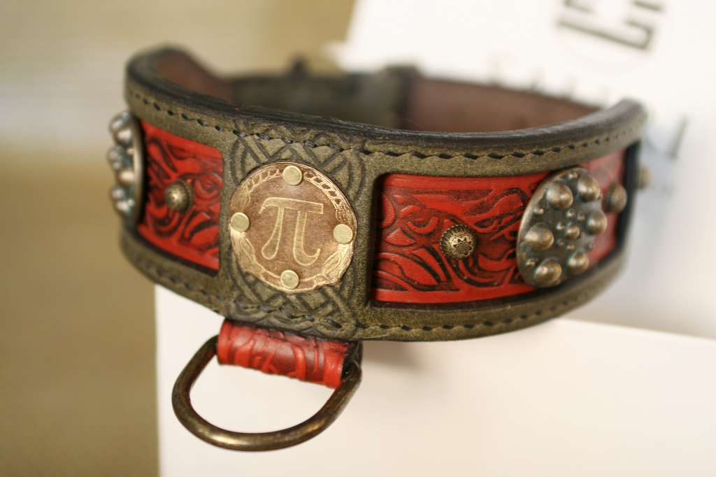 Personalized dog collar uniquely handcrafted by Workshop Sauri