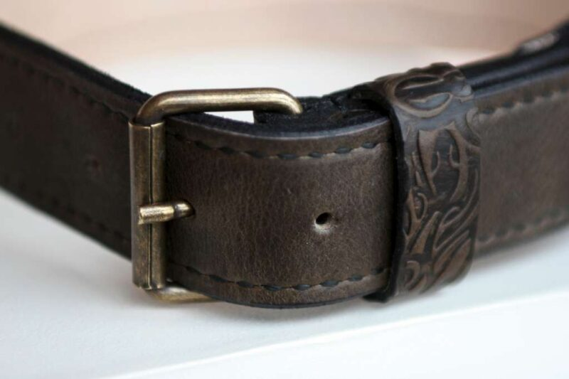 Handmade buckle collar