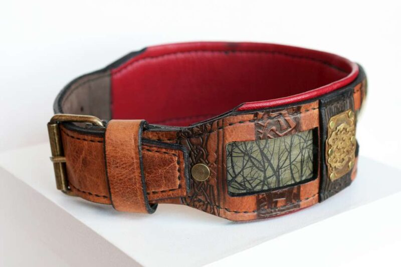 Leather dog collar with ruby red padding handmade by Workshop Sauri
