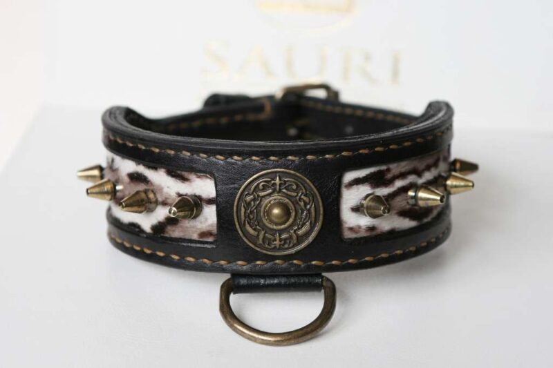 Rustic leather dog collar handmade by Workshop Sauri