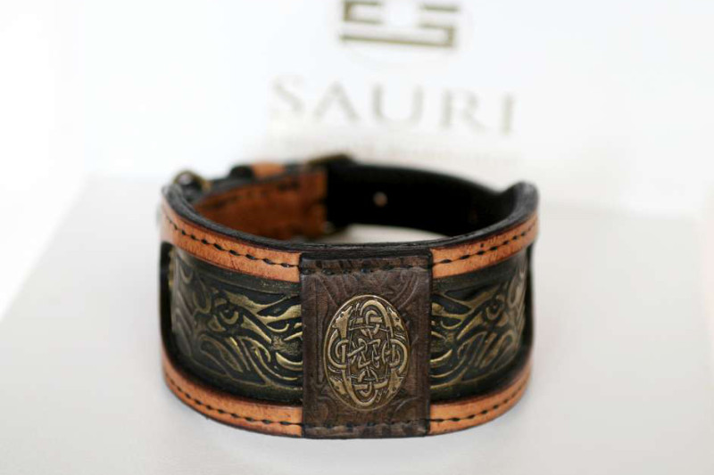 Elegant handmade leather dog collar by Workshop Sauri