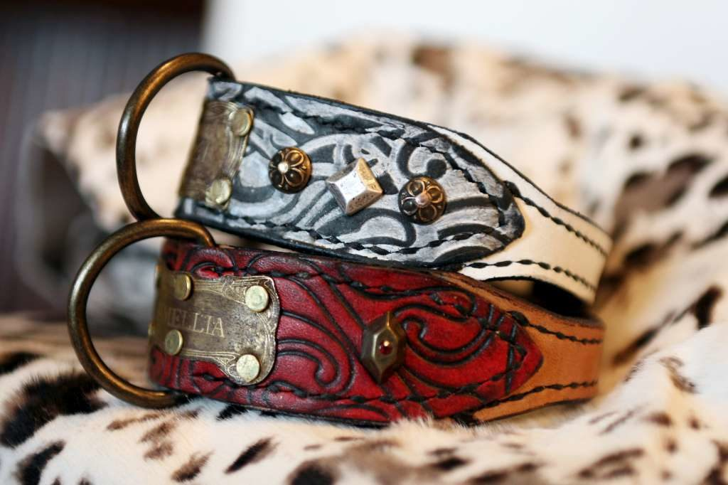 Extra small leather dog collars handmade by Workshop Sauri