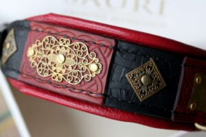 Luxury leather dog collar handmade by Workshop Sauri