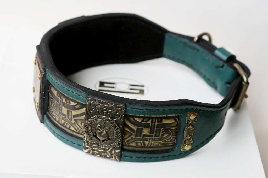 Green leather dog collar Chandra by Workshop Sauri