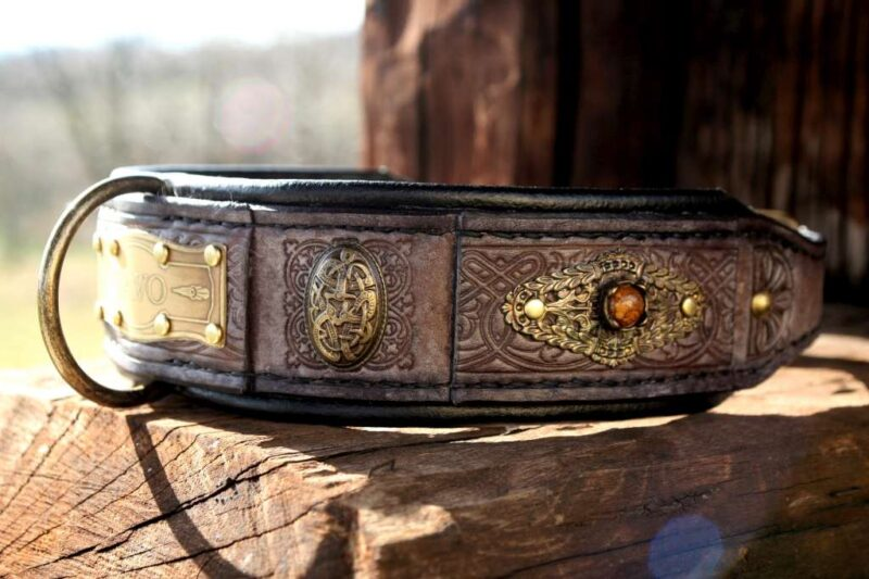 Rustic leather dog collar designed by Workshop Sauri