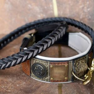 Green personalized dog collar and braided leash by Workshop Sauri