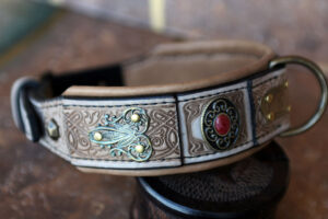 Tan leather dog collar with filigree SCYTHIA by Workshop Sauri