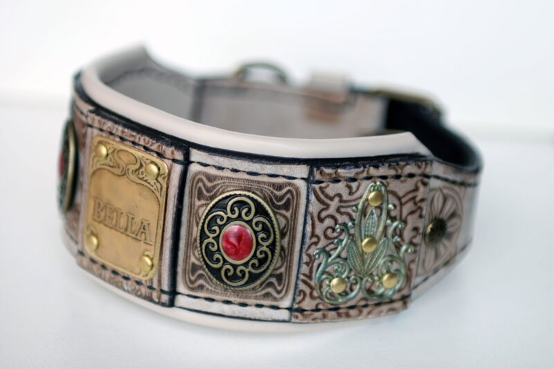 Luxurious leather hound collar with padding by Workshop Sauri