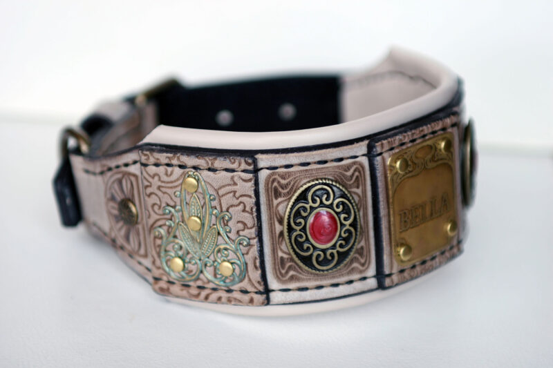 Luxurious personalized leather hound collar by Workshop Sauri